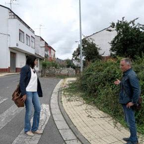 Cidadáns denuncia graves deficiencias na rúa Ramos Misioné, na zona da Aceña de Olga, que foi reformada a comezos deste mantado