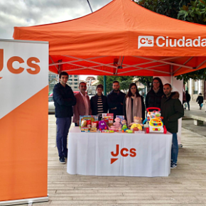 Jcs organiza su tradicional recogida de juguetes y alimentos a favor de Cruz Roja Juventud y Banco de Alimentos