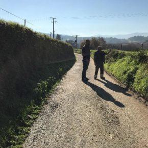 Ciudadanos Lalín solicita al ayuntamiento que proceda a ensanchar el vial de la carretera que va desde su iglesia hasta la carretera general en la parroquia de Prado