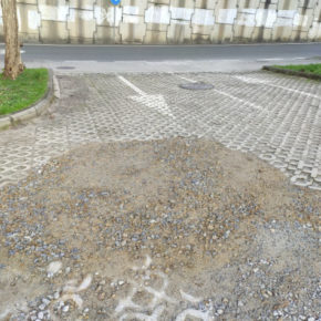Ciudadanos solicita el arreglo del parking del Restollal