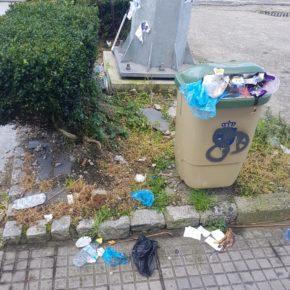 Desde Cs A Coruña se solicita al Concello la limpieza y arreglo del mobiliario urbano del barrio de Los Mallos