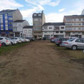 Ciudadanos denuncia a falta de control municipal sobre o aparcamento na contorna da praza Bispo Frei Xosé Gómez